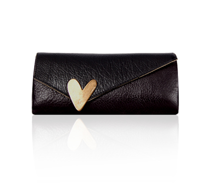 LuLA By Angelica Cota :  clutch handbag lula heart